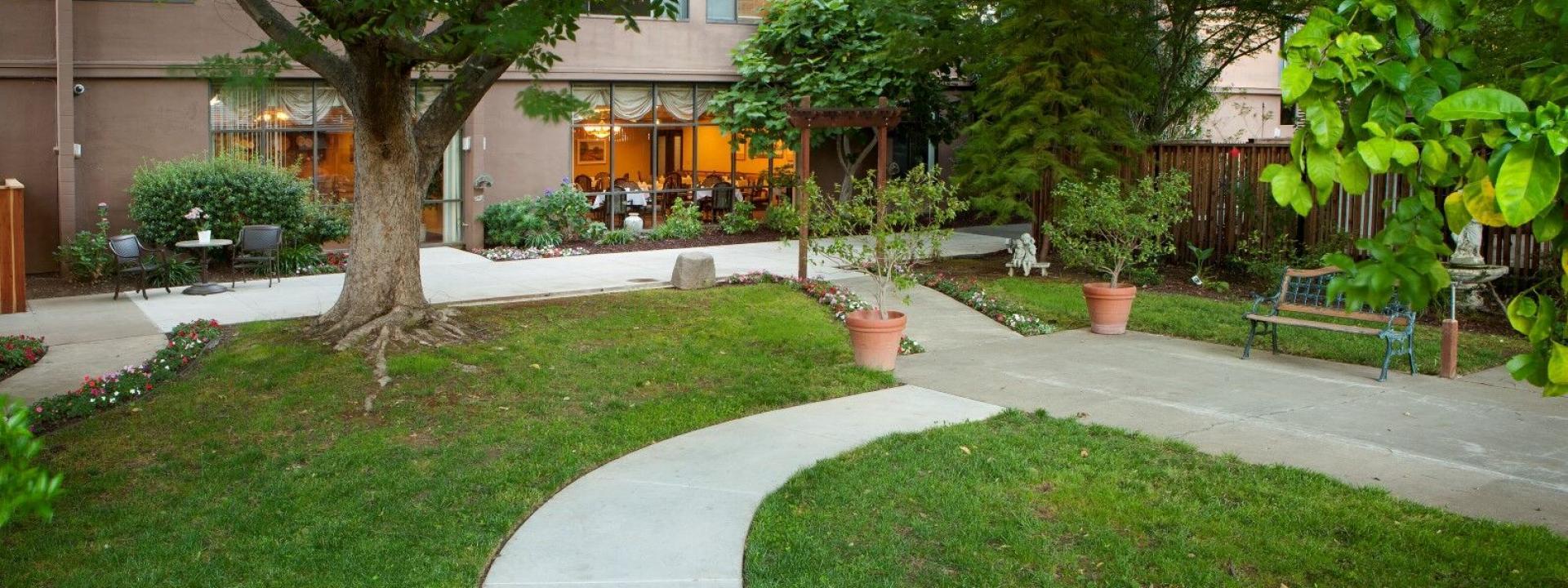 Eskaton Monroe Lodge back patio and garden area