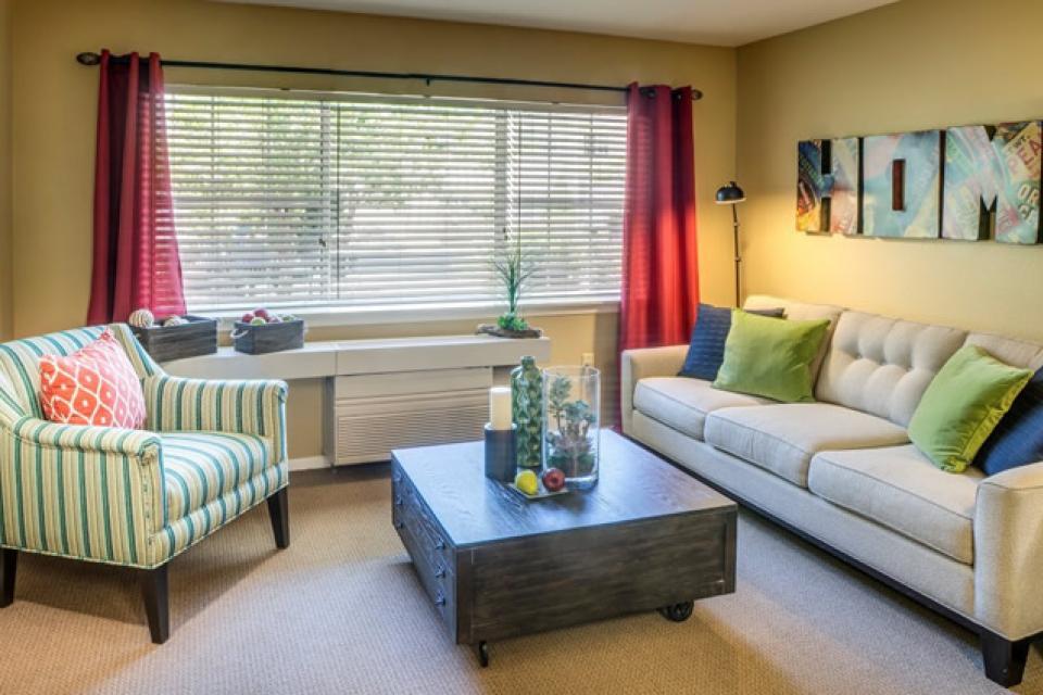 Living room at Eskaton Village Grass Valley