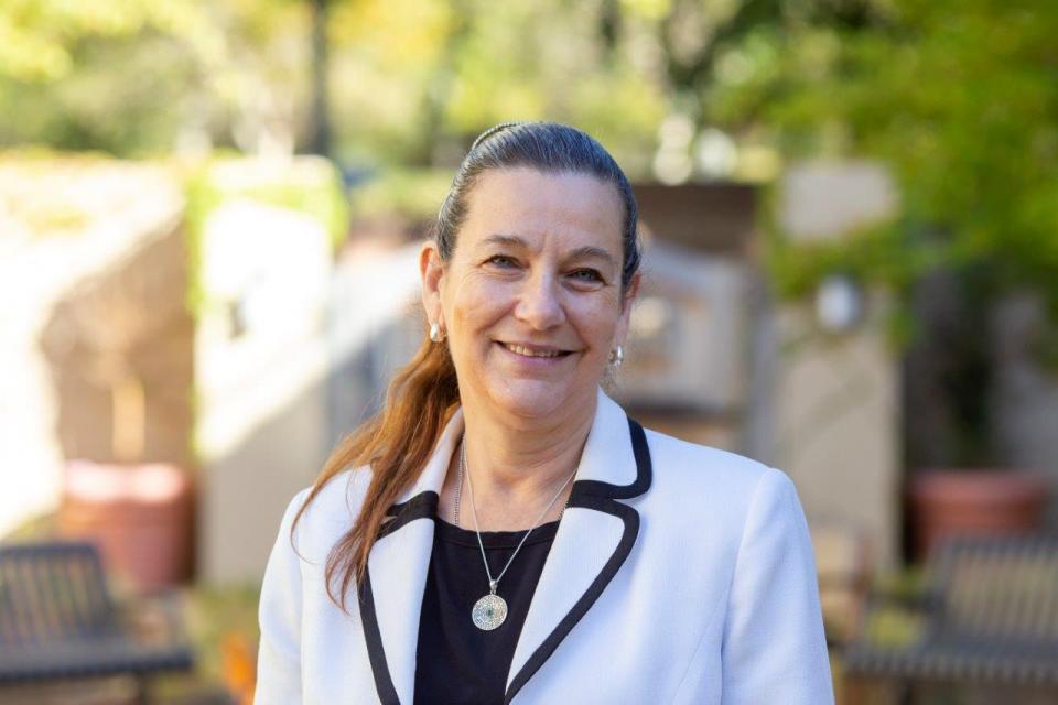Rabbi Debora Kohn at The Reutlinger Community